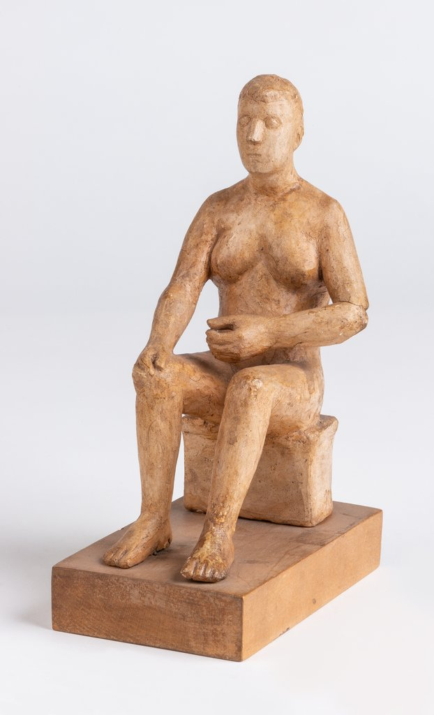 Sitting woman (on wooden pedestal), Hans Mettel